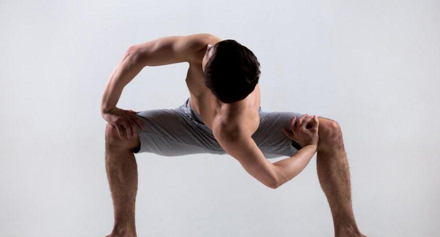 Hasse på Ashtanga Yoga.